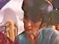 Moeder gevangen jongen kijken naar porno mag Part 1