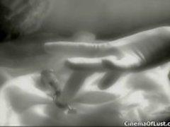 Loiros cacheados em lingerie sensual