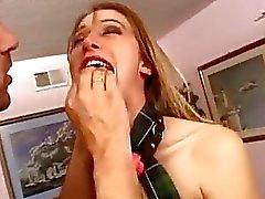 Kölelik küçük kız fa becerdin derinlemesine ağrısı ve kedi reamed alıyorsanız ...
