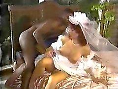 Valkoinen Bride musta kukko