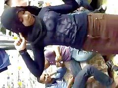 Arabisch Hijabi Dirne Tanz fünf