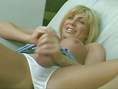 Blondie pinches her nipples & fucks