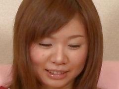 Doncella del dulce , de Aoi Mizumori , complace a de dos deliciosas las pollas