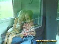Alman çift trenle sikikleri