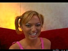 Hey lookits Jessi Summers and she is ready to milk