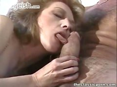 Hairy pussy get laid inside the motel