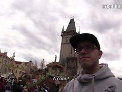Il y a vraiment de beaux marchés de printemps autour de Prague, donc je