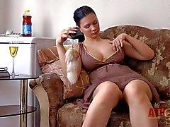De seios grandes Blanka mostra suas mimos