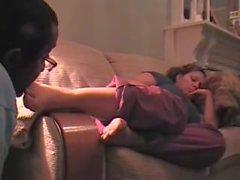 Sleepy fetiche pé & Chupando os pés da esposa