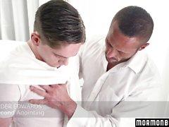 MormonBoyz - Muscle Daddy Priest knullar en tonåring Jock