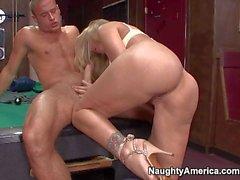 Curvy cougar Julia Ann fucks like wild with Danny Mountain