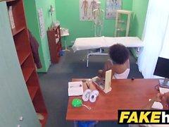 Fake Hospital Doctor dá ao ebony um estudante brasileiro uma fodida