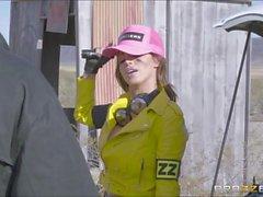 För sean påsatt av bigtits mechanic Nikkis