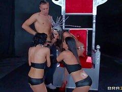 Ariella Ferrera, Veronica Avluv and India Summer are three dark : porno videoclip Pornsharing
