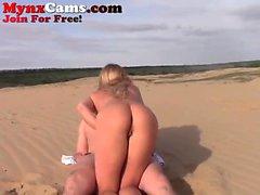 Coppia Hot Webcam FUck sulla spiaggia