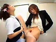 Азиатских Schoolgirl And Her Преподаватель