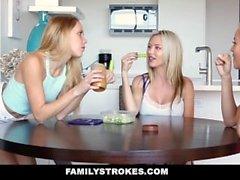 FamilyStrokes - Dad Creeps On Step Filhas Enquanto Mom Dorme