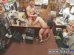 Cock sonnant gay twink Il vend son serré