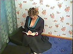 Stepmom par cunr velue , nichons accrochant baisent avec des beau-fils