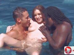 Candice Nicole Chayse Evans Tatiana Kuş'un Havuzu Parti