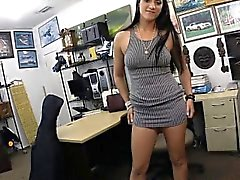 New customer pawns her twat and pounded in the backroom