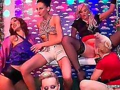Le 18 Eurobabe Lesbiennes Piss Party