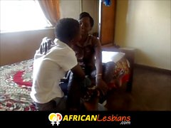 İlk kez amatör Afrikalı lezbiyenler saldırı!