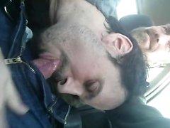 Pupbalto daña Manthroat en el vehículo