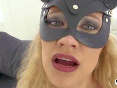 HER GRÄNS - Grov analsex och deepthroat med varm rysk tjej Stasy Rivera