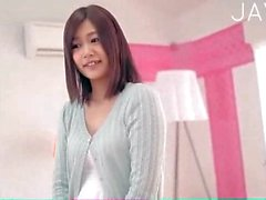 Jap shows her teen body