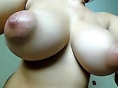 Huge Boobs Pezones