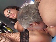 British slut Emma Butt in a FMM threesome