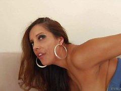 Busty latina mamãe Francesca Le ama rimming
