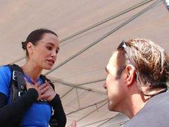 A notícia @ sexo - Skydiving com Lisa Ann! Pt 2