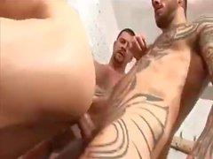 Zweier Nieten Ficken junger Mann im Umkleidekabine