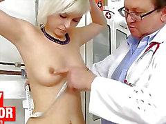 Rubia caliente de Uma Zex del examen el coño raro