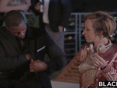 BLACKED Jada Stevens Huge ASS rakastaa BBC: tä