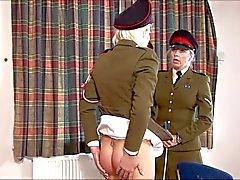 Bestraftes militärischer Mädchen