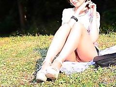 Jeny Smiths ohne Boden im öffentlichen Park