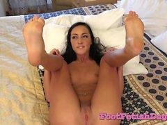 Brunette Aria Shows Her Beautiful Feet