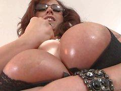 Mature Eva Notty dildo fucks her huge tits
