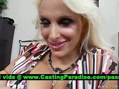 Падуб Холстон блондинка Pornstar в общественных