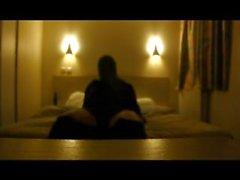 Otel odasında yoğun mastürbasyon, Bölüm 1