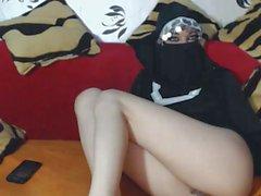B7bk moot syrian cam girl02