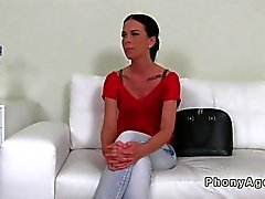 Amateur babe gets to be taped at her casting session