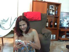 Bebé atractivo pelirroja de aficionados jugando su coño en web cam