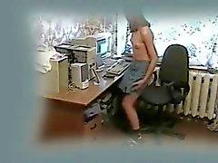 Grote kwaliteit video van mijn zus masturberen op PC .
