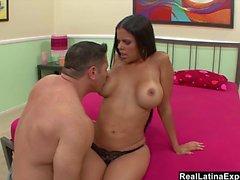 RealLatinaExposed - Big Boobed Latina gör en mtf cum