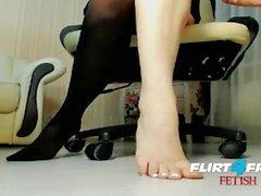 Lusty Sonya on Flirt4Free Fetish - Dirty Talkin Babe Toys with Feet & Dildo
