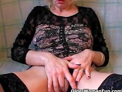 Blonde mature fisting herself